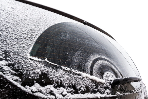 car, which is included with a thick layer of snow